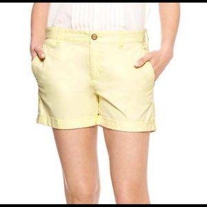 🎀GAP girlfriend 4 inch short yellow